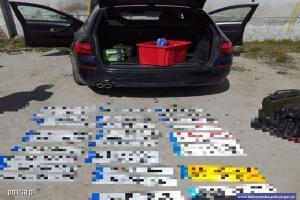 Odzyskany samochód i tablice rejestracyjne